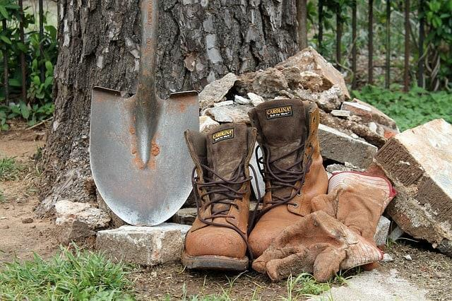 Shovel, Boots and Sweat - Some of the Tools of an Owner-Builder